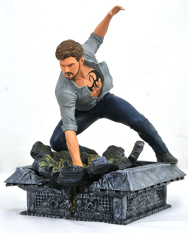 Gamestop Iron Fist Gallery Statue 1
