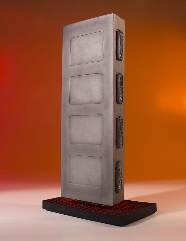 Star Wars Gentle Giant Han Solo in Carbonite 4