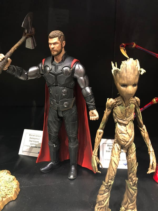 115 Pics from the Diamond Select Toys Booth at SDCC – Statues, Figures, and More