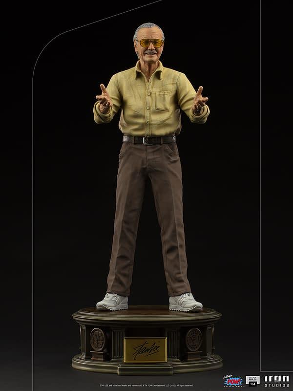 Stan Lee Stands 23