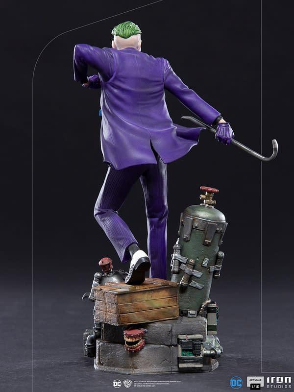 The Joker Receives New Deluxe DC Comics Statue From Iron Studios