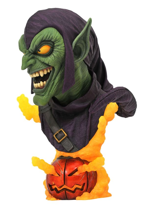 Spider-Man and Green Goblin Receive New Diamond Select Toys Statues