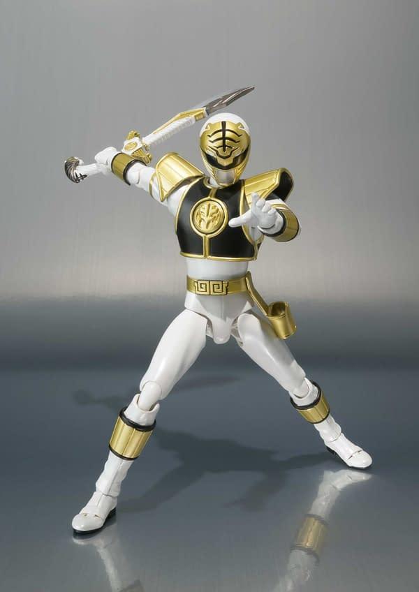 SH Figuarts Power Rangers White Ranger 5
