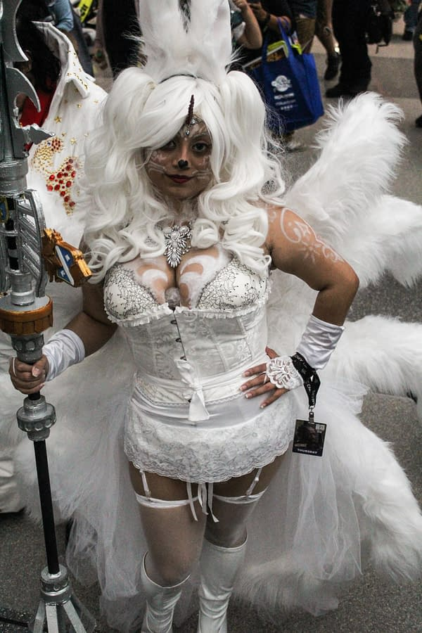 Thursday Hall And Cosplay Shots From New York Comic Con 2017