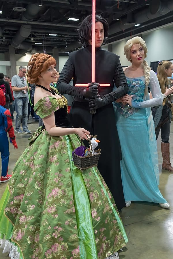Elsa Meets Kylo: Cosplay from Friday at Awesome Con 2018