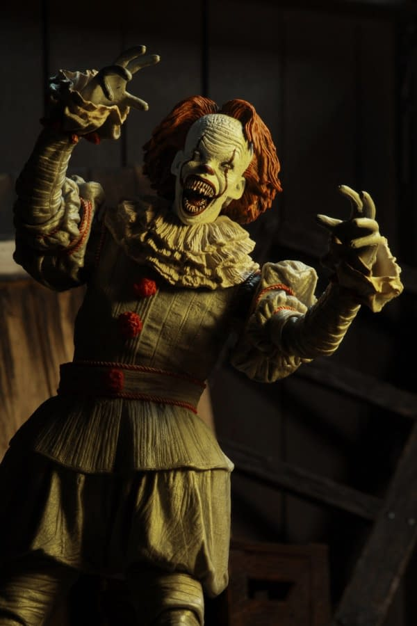 NECA Well House IT Pennywise Figure 3