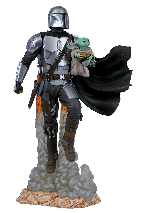 The Mandalorian Blasts off With New Gentle Giant Star Wars Statue