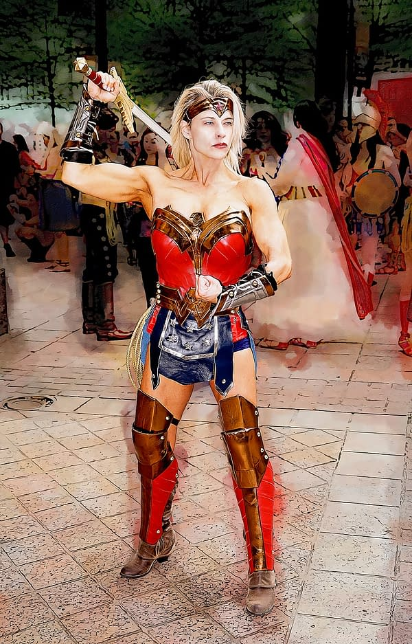 When Wonder Woman Gets Mistaken as a Cosplayer.