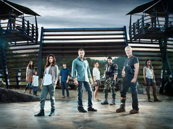 Review: Pilot Episode Of Spielberg-Produced Show Terra Nova, Now With More Dinosaurs