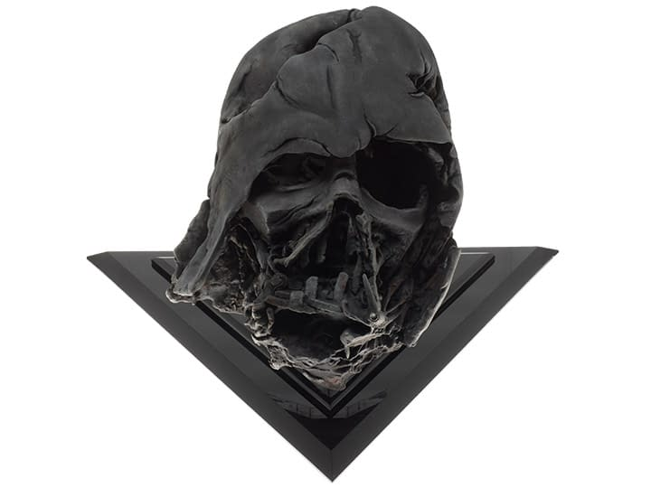 "Darth Vader Pyre Helmet from ""The Force Awakens"" Gets EFX Replica"