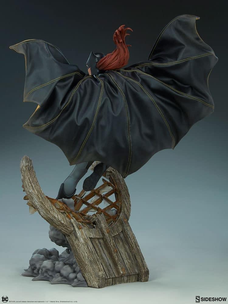 Sideshow Collectibles Batgirl Premium Format 7