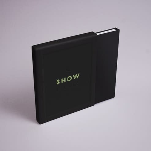 SHOW_PIECES_SLIPCOVER_493px