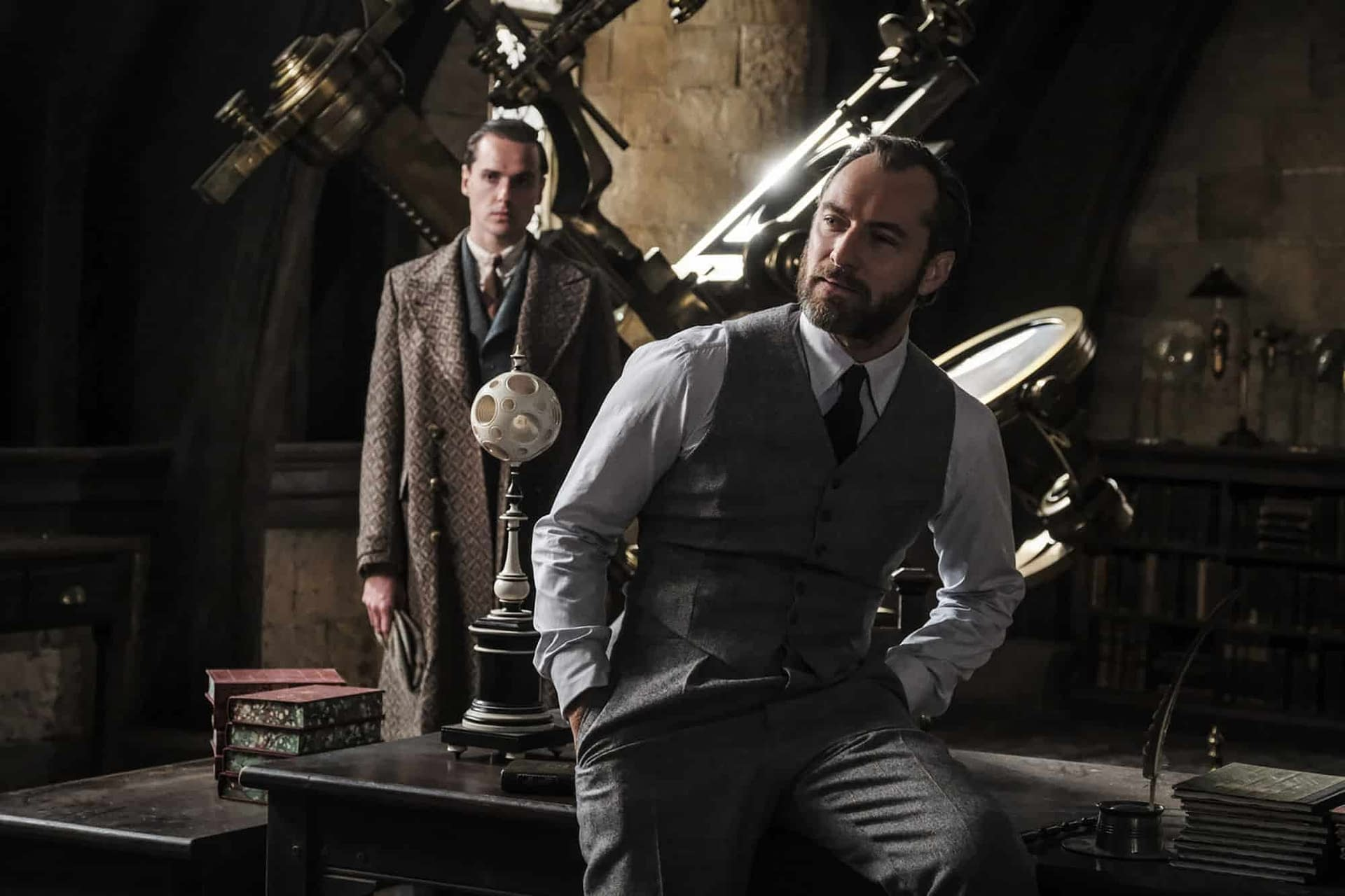 Jude Law Talks Dumbledore's Sexuality in Fantastic Beasts: The Crimes of Grindelwald