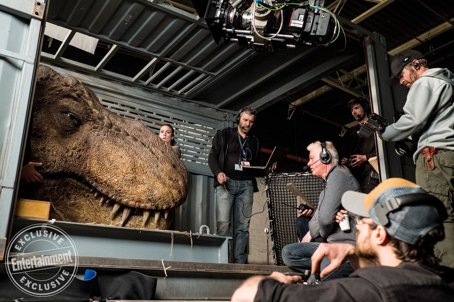 9 New Behind-the-Scenes Pictures from Jurassic World: Fallen Kingdom