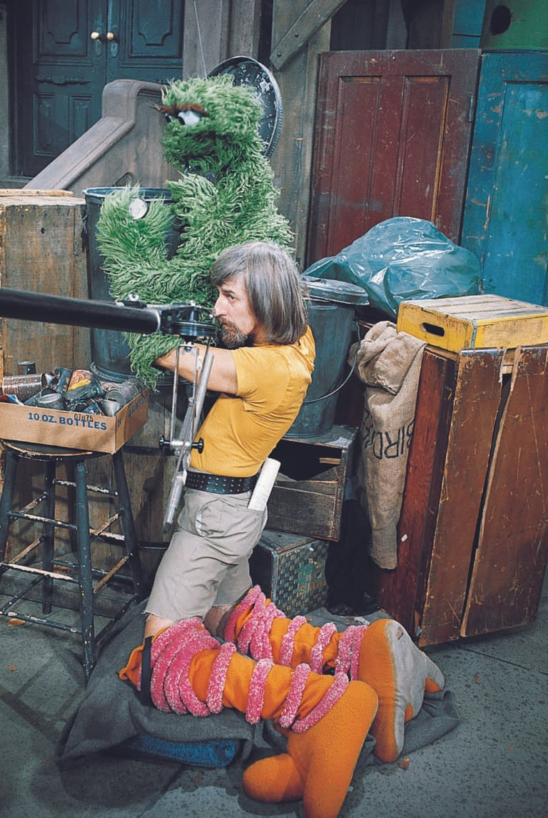 """Sesame Street"" Puppeteer Caroll Spinney (Big Bird, Oscar the Grouch) Passes Away, Age 85"