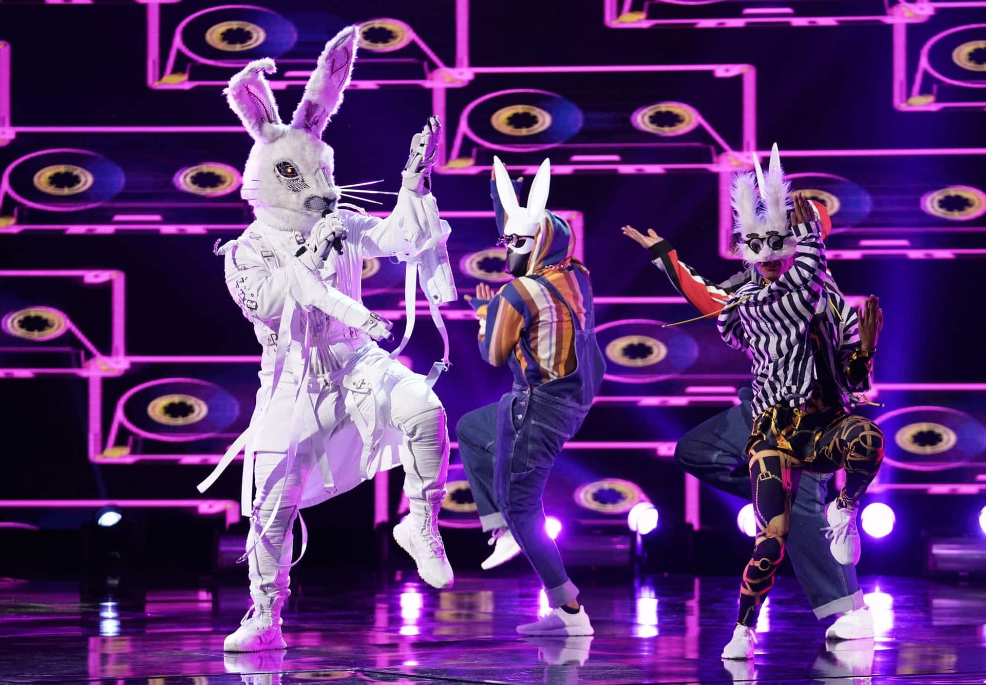 """'The Masked Singer' Week 5 Upped The Game """"90210"""" Different Ways [SPOILER RECAP]"""