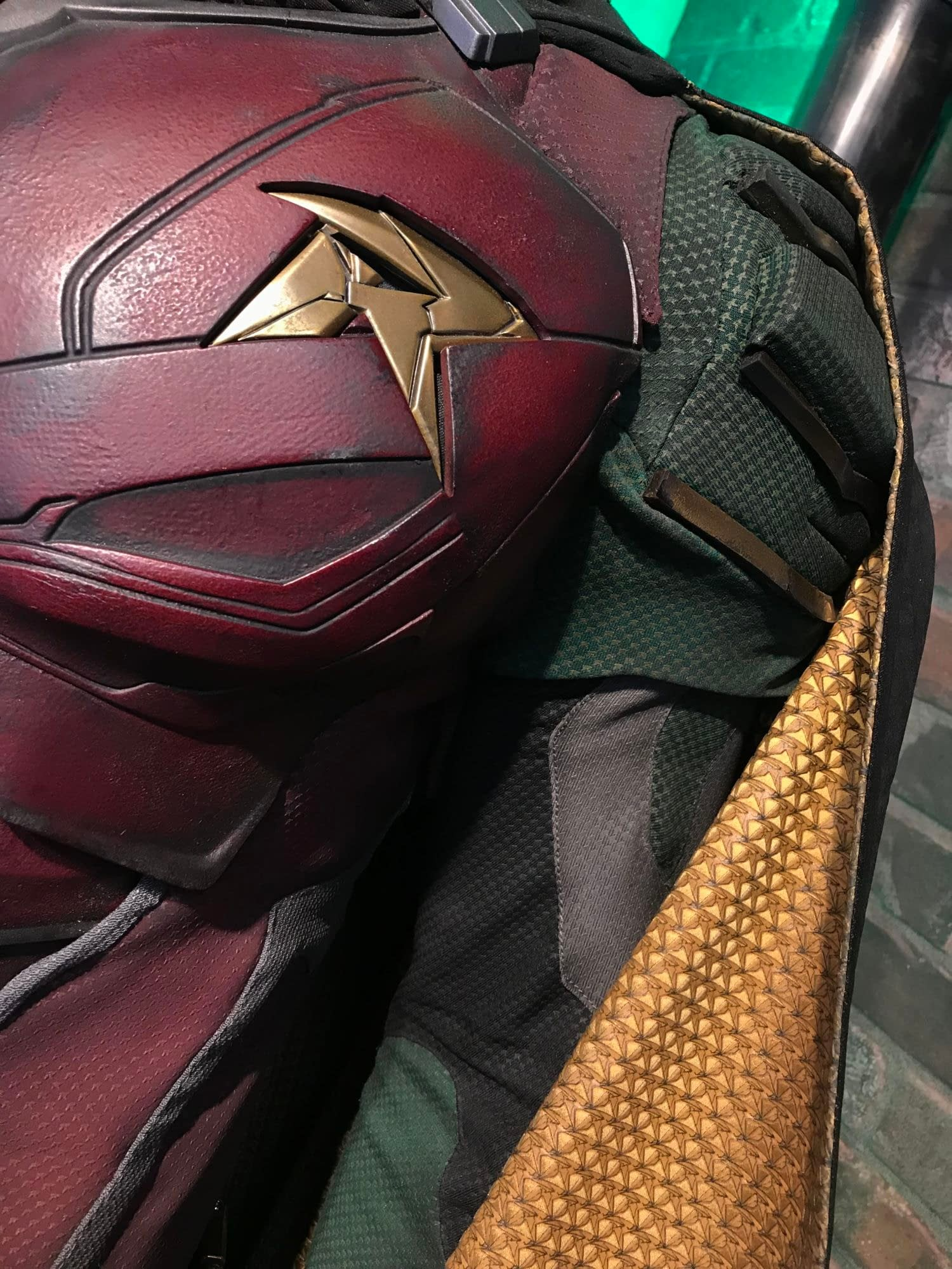 'Titans': DC Daily Offers Best Look Yet at Robin's Suit, Amazing Details