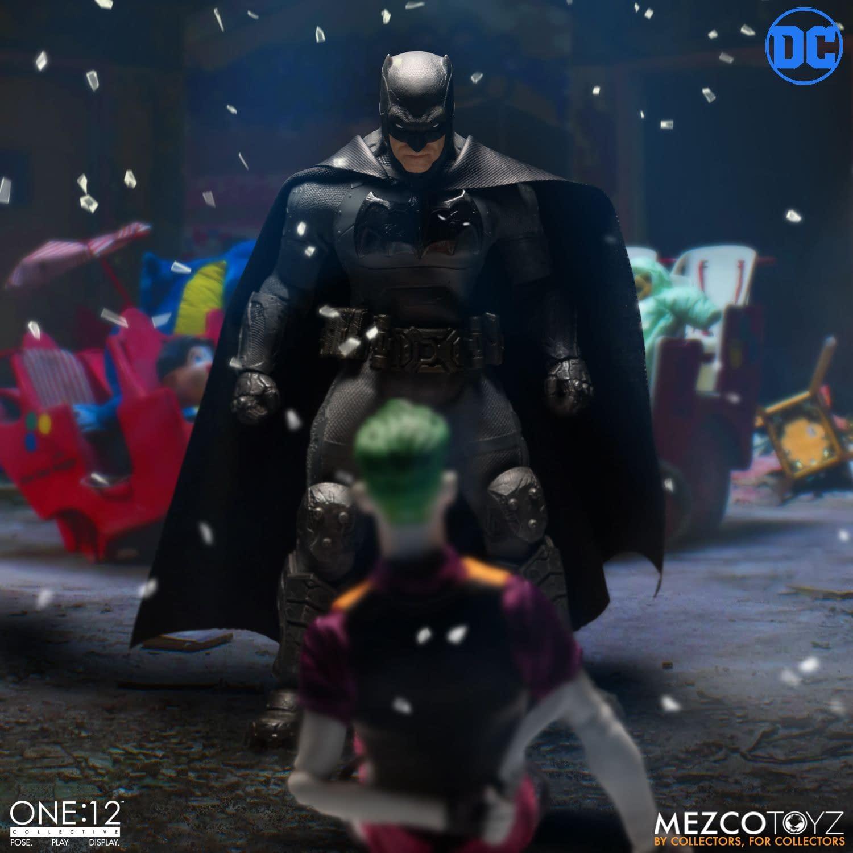 Batman Hasn't Retired yet in the New Mezco One:12 Figure