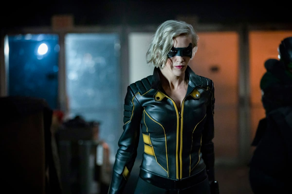 """""""Arrow"""" Season 8: The """"Crisis"""" Countdown Begins in """"Starling City"""" [PREVIEW]"""