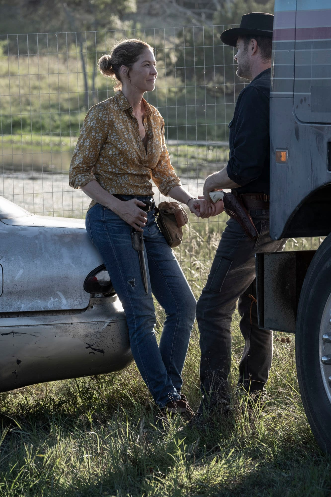 """""""Fear the Walking Dead"""" Season 5, Episode 15 """"Channel 5"""": Will Ginny's Way Be Our Heroes' Only Way? [PREVIEW]"""