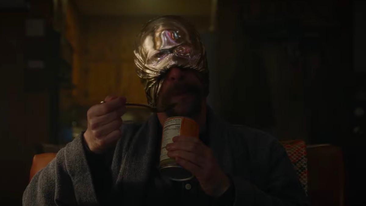 """""""Watchmen"""" Week: Jeremy Irons on Adrian """"Ozymandias"""" Veidt/Dr. Manhattan Dynamic [INTERVIEW]"""