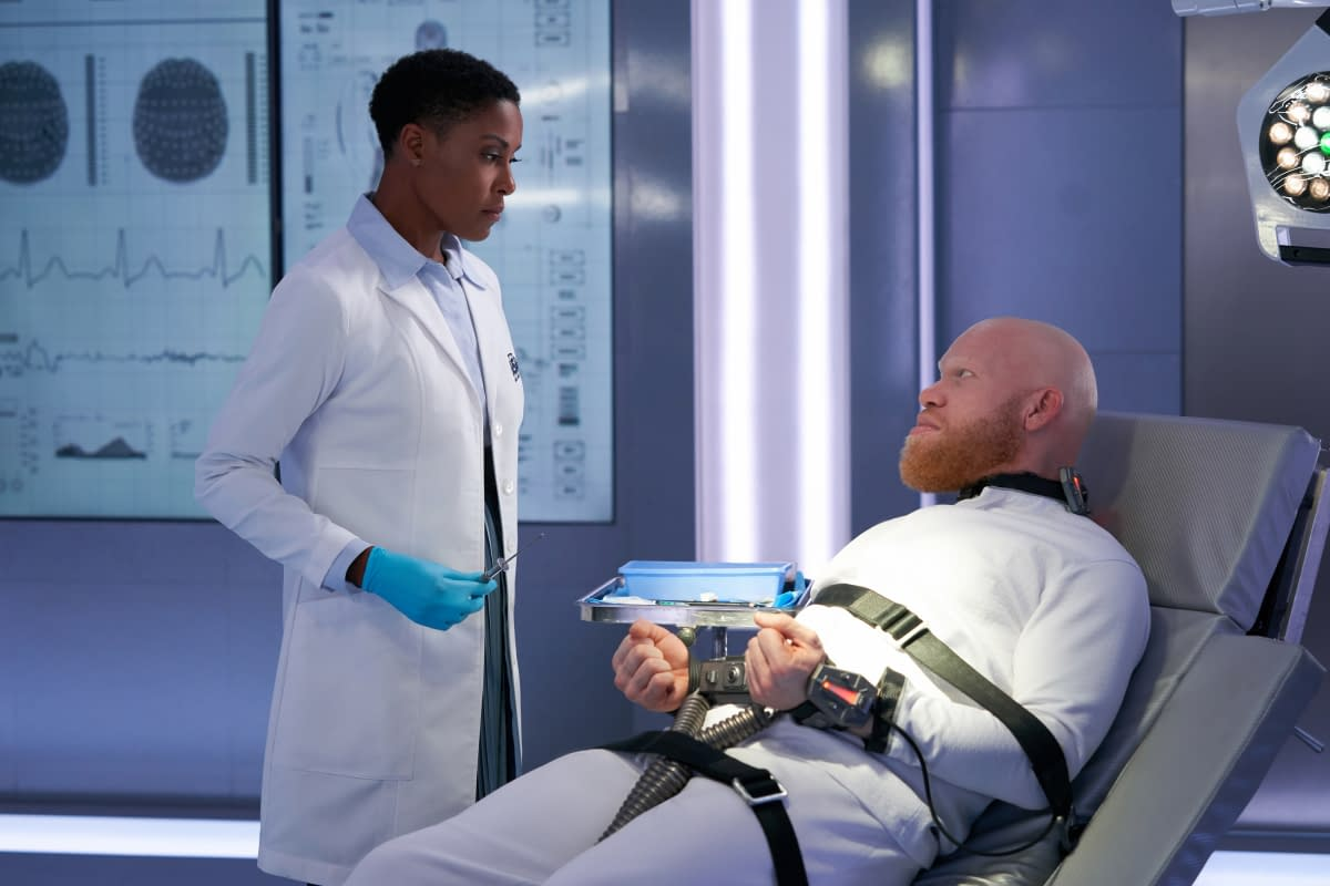 """""""Black Lightning"""" Season 3 """"The Book of Occupation: Chapter Five"""": Blackbird Fighting In the Heart of Freeland [PREVIEW]"""