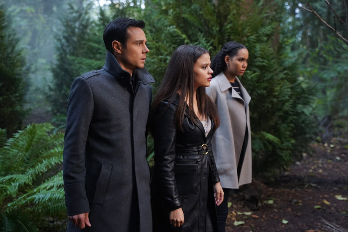 """""""Charmed"""" Season 2 """"Past is Present"""" But There Might Not Be a Future [PREVIEW]"""