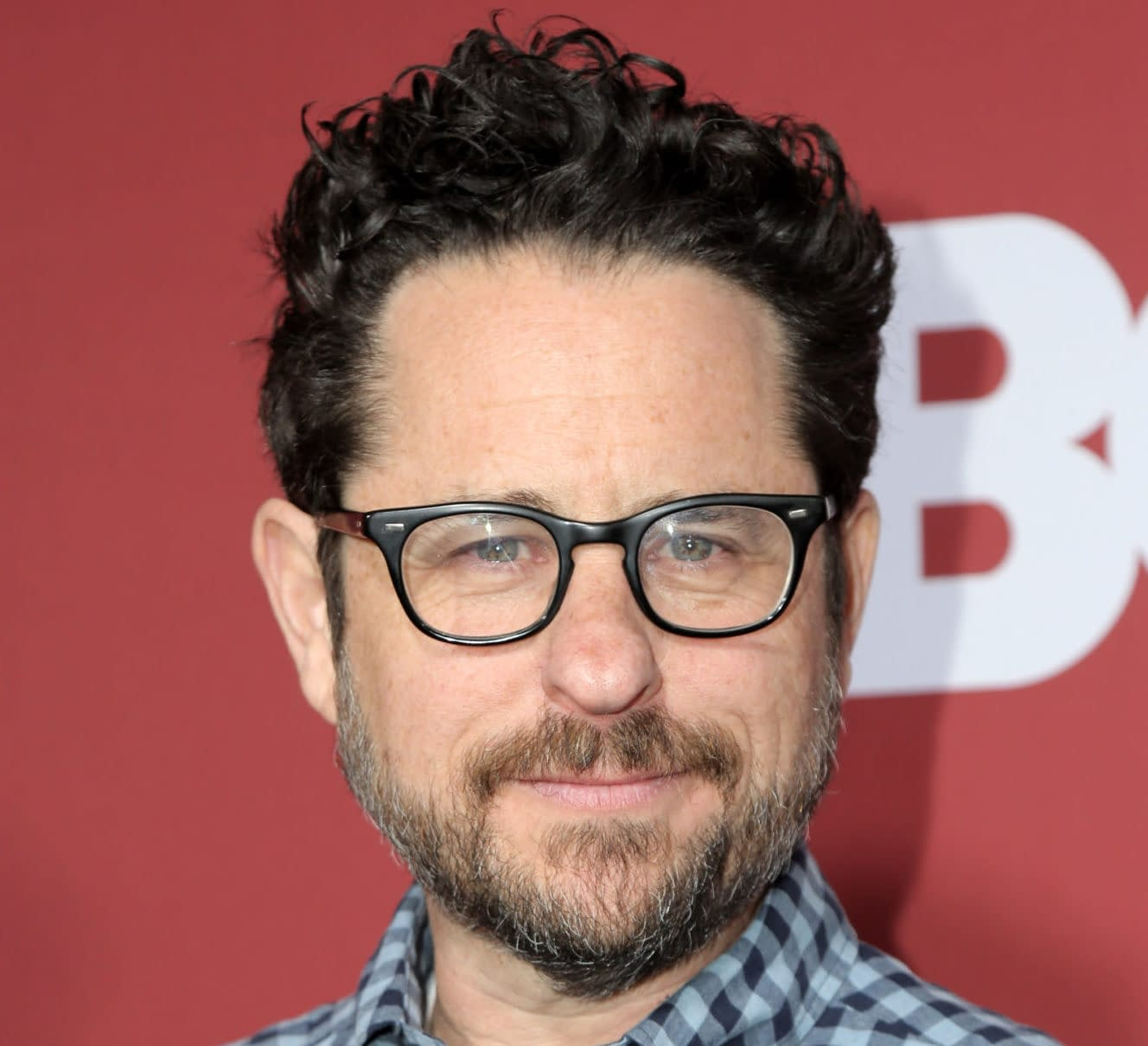 """Star Wars"": J.J. Abrams Talks Having More Freedom in ""The Rise of Skywalker"""