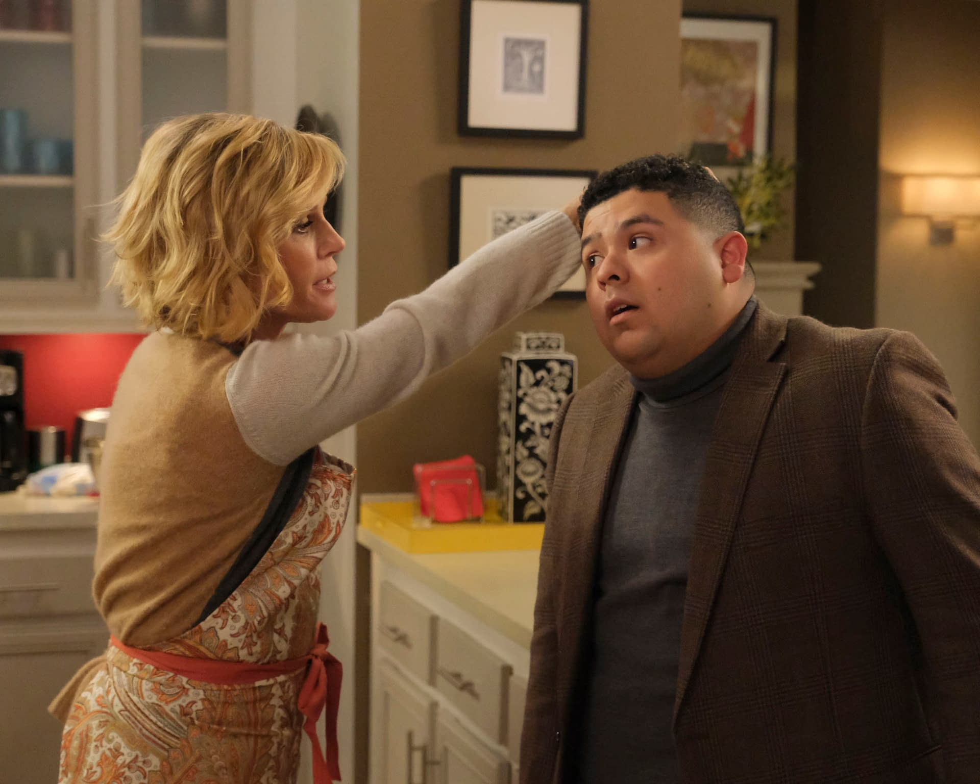 """""""Modern Family"""" Season 11 """"The Last Thanksgiving"""": We Give Thanks for Some Sweet, Touching Closure [SPOILER REVIEW]"""