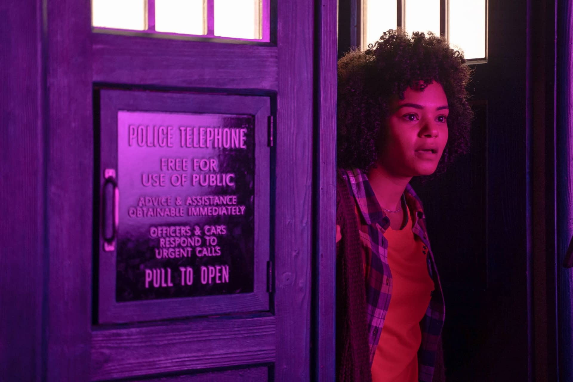 """""""Doctor Who"""" Series 12 """"Praxeus"""" Images Released; Chris Chiball Talks New Doctor, Captain Jack Returning [PREVIEW]"""