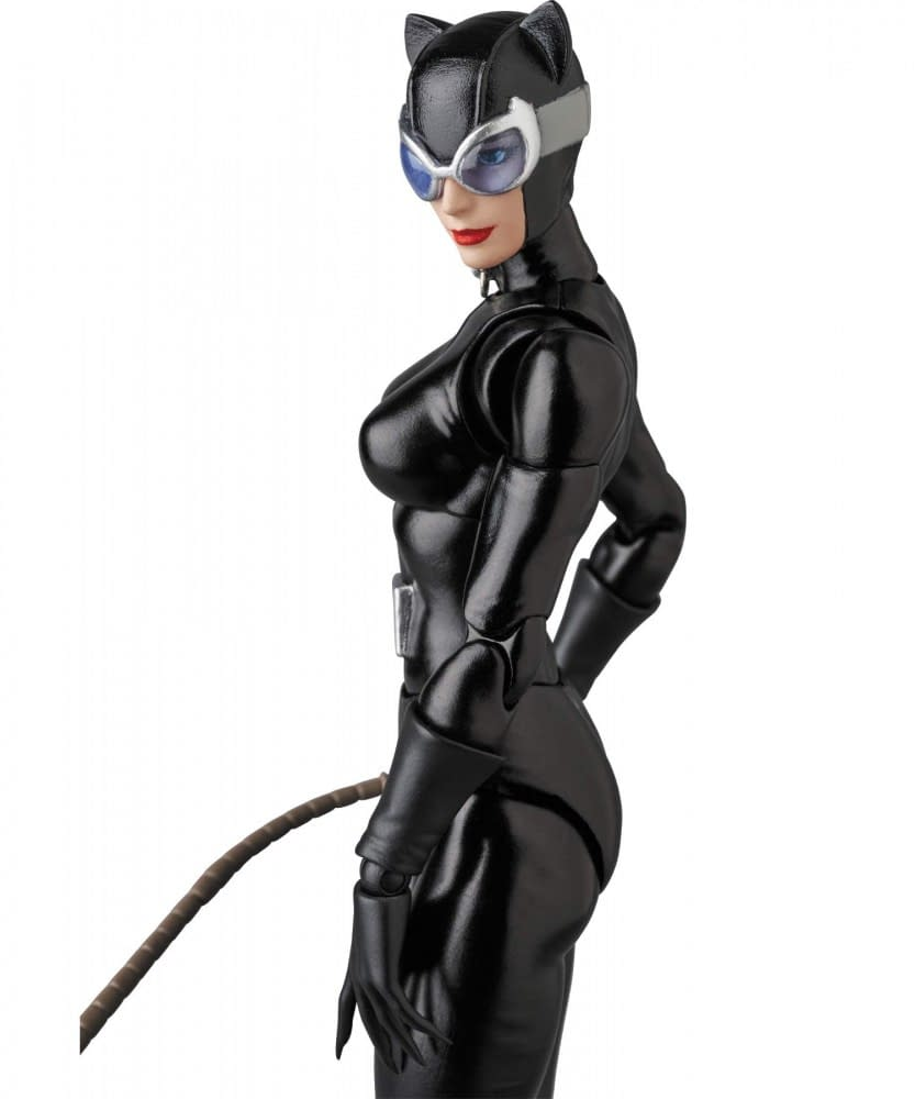 Catwoman Stretches Her Claws in New MAFEX Figure
