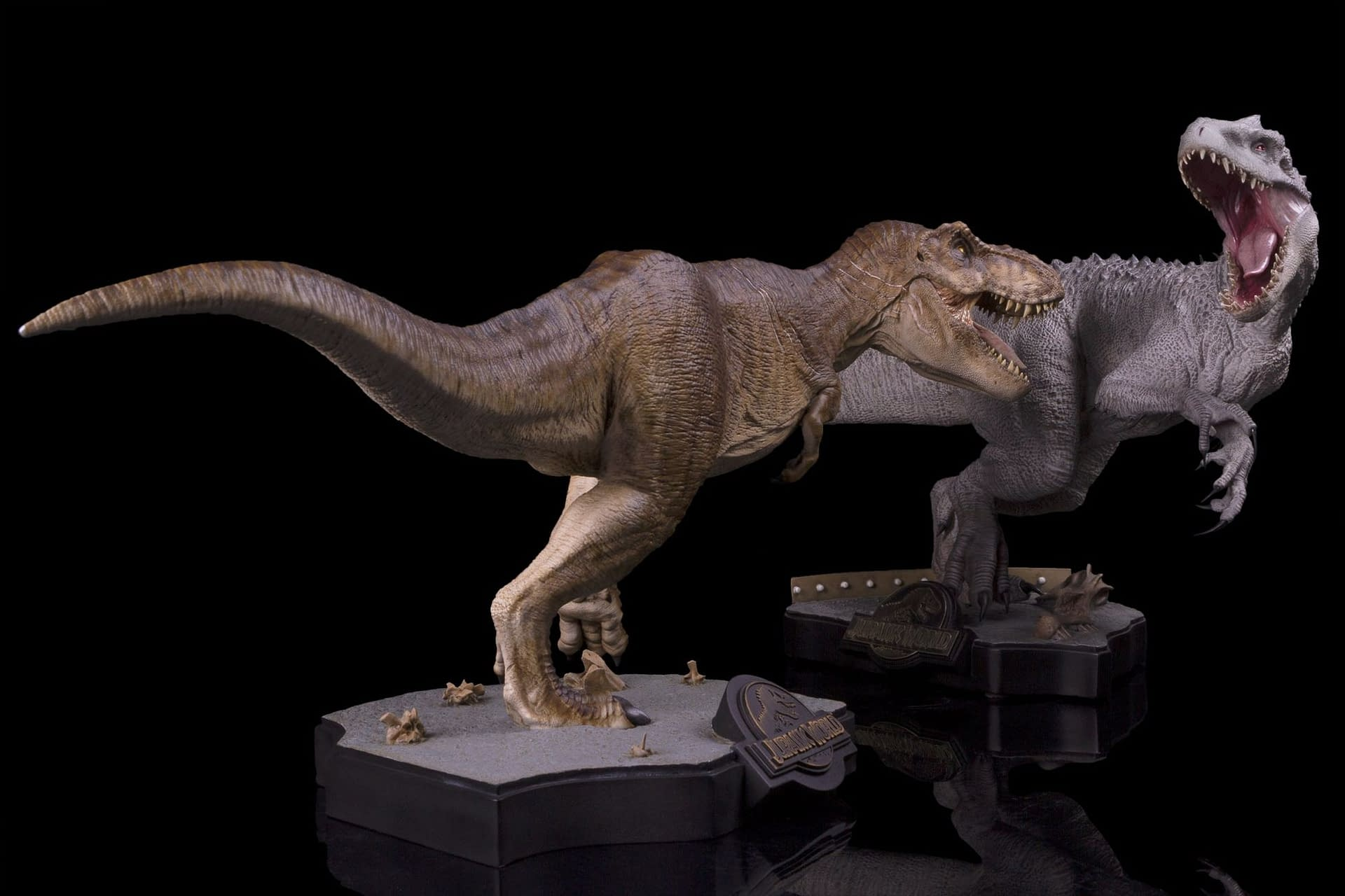 """""""Jurassic World"""" T-Rex is on the Loose with New Chronicle Statue"""