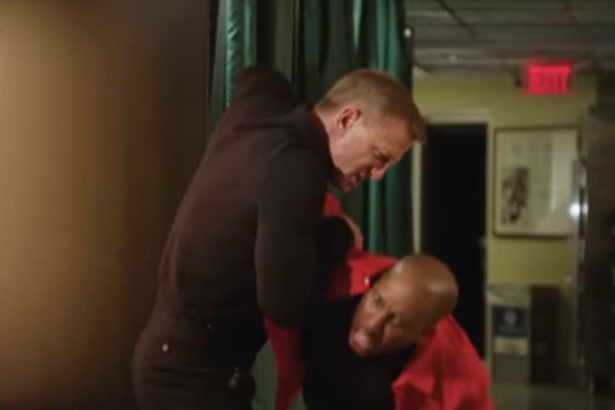 """Saturday Night Live"": Daniel Craig's Awkward Bond-Related Promo"