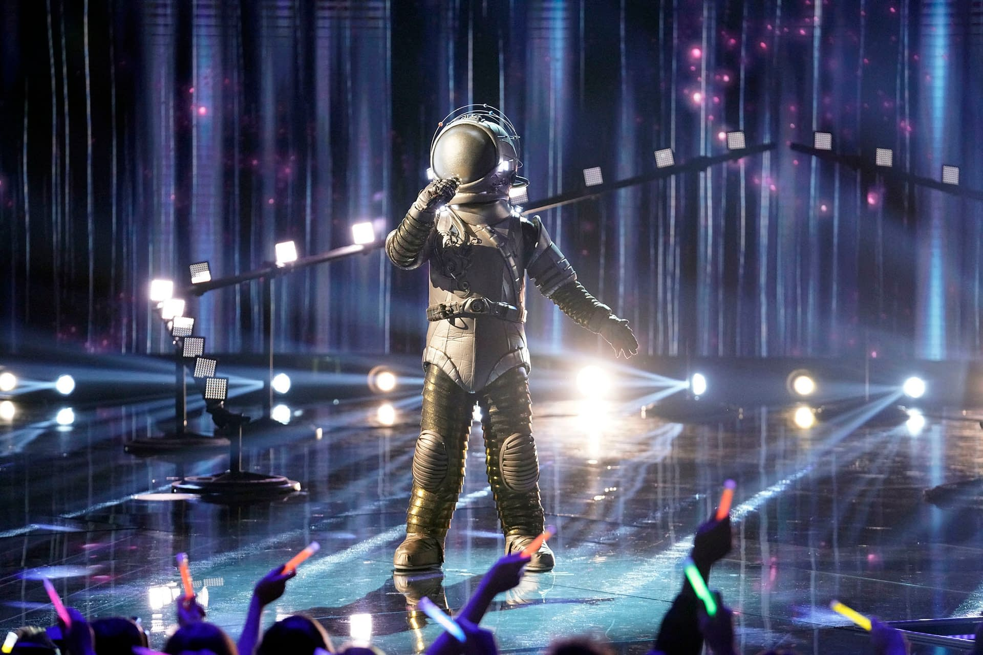 """""""The Masked Singer"""" Season 3 """"Last But Not Least: Group C Kickoff!"""" Means We're Almost at Our """"Super 9"""" [PREVIEW]"""