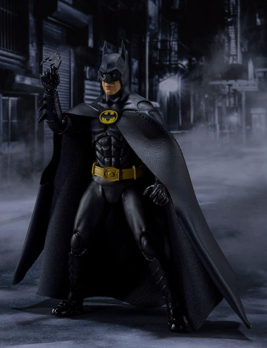 SH-Figuarts-1989-Batman-003