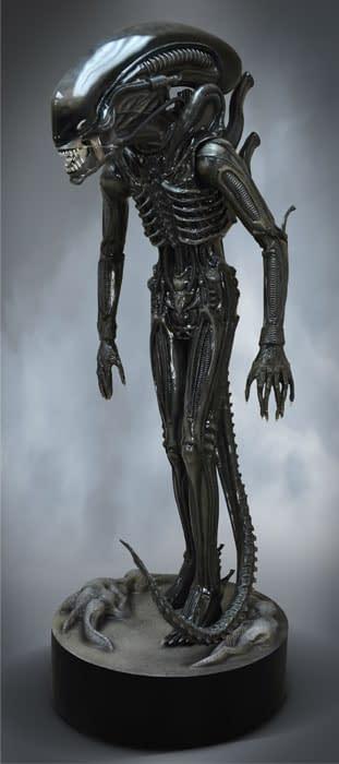 HCG-Life-Size-Big-Chap-Alien-004