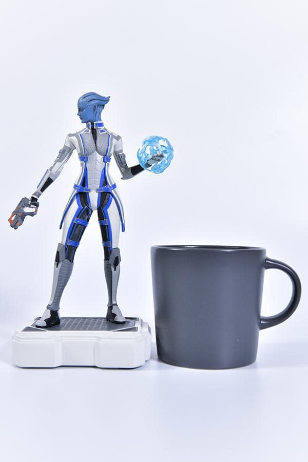 Mass Effect Liara T'Soni Gets 2,000 Piece Statue From BioWare