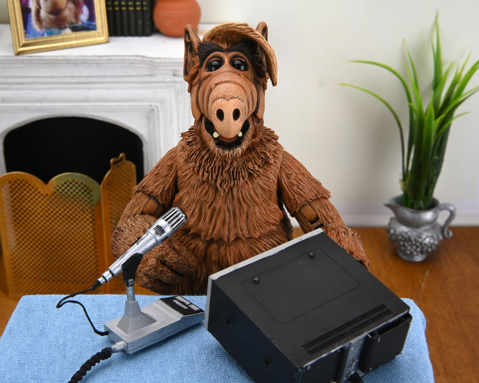 ALF Ultimate Figure On the Way From NECA In 2022