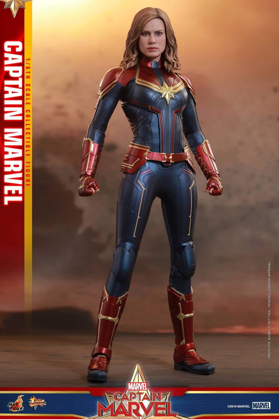 Hot Toys Captain Marvel 12