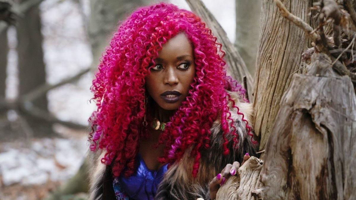 """Titans"" Season 2: Anna Diop Previews Starfire's New Look [VIDEO]"