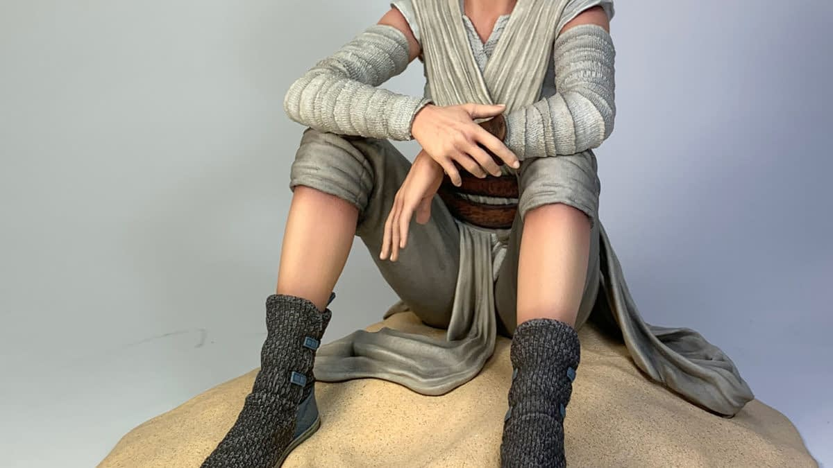 """Rey Warms Our Hearts in New Exclusive """"Star Wars"""" Gentle Giant Statue"""
