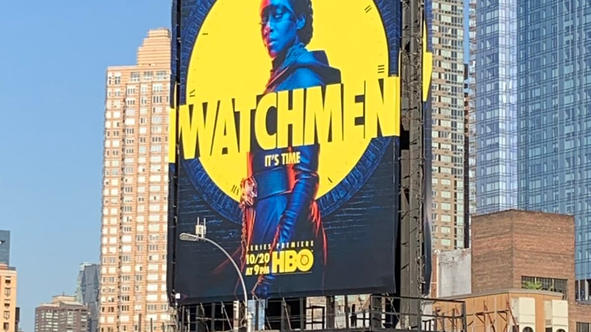 In The Shadow of HBO's Watchmen - Our First Peek From the NYCC Showfloor