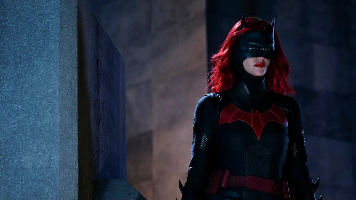 """Batwoman"": Kate Kane Finally Gets ""Down, Down, Down"" In the Suit [PREVIEW]"