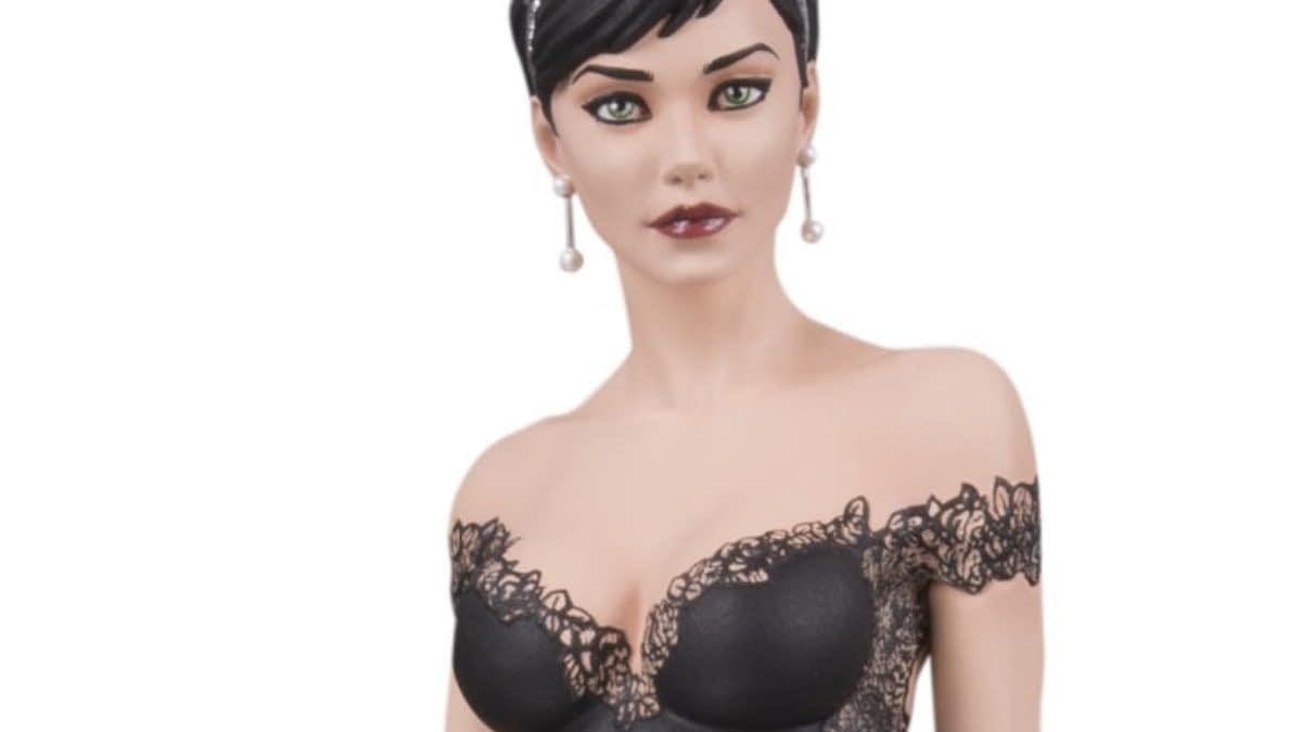 Catwoman Is Ready for Her Special Day in New DC Collectible Statue