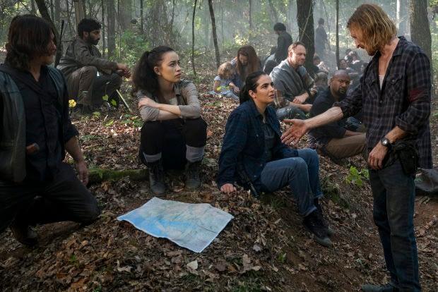 The Walking Dead Season 8: Daryl, Rosita, and Tara Debate Dwight's Fate