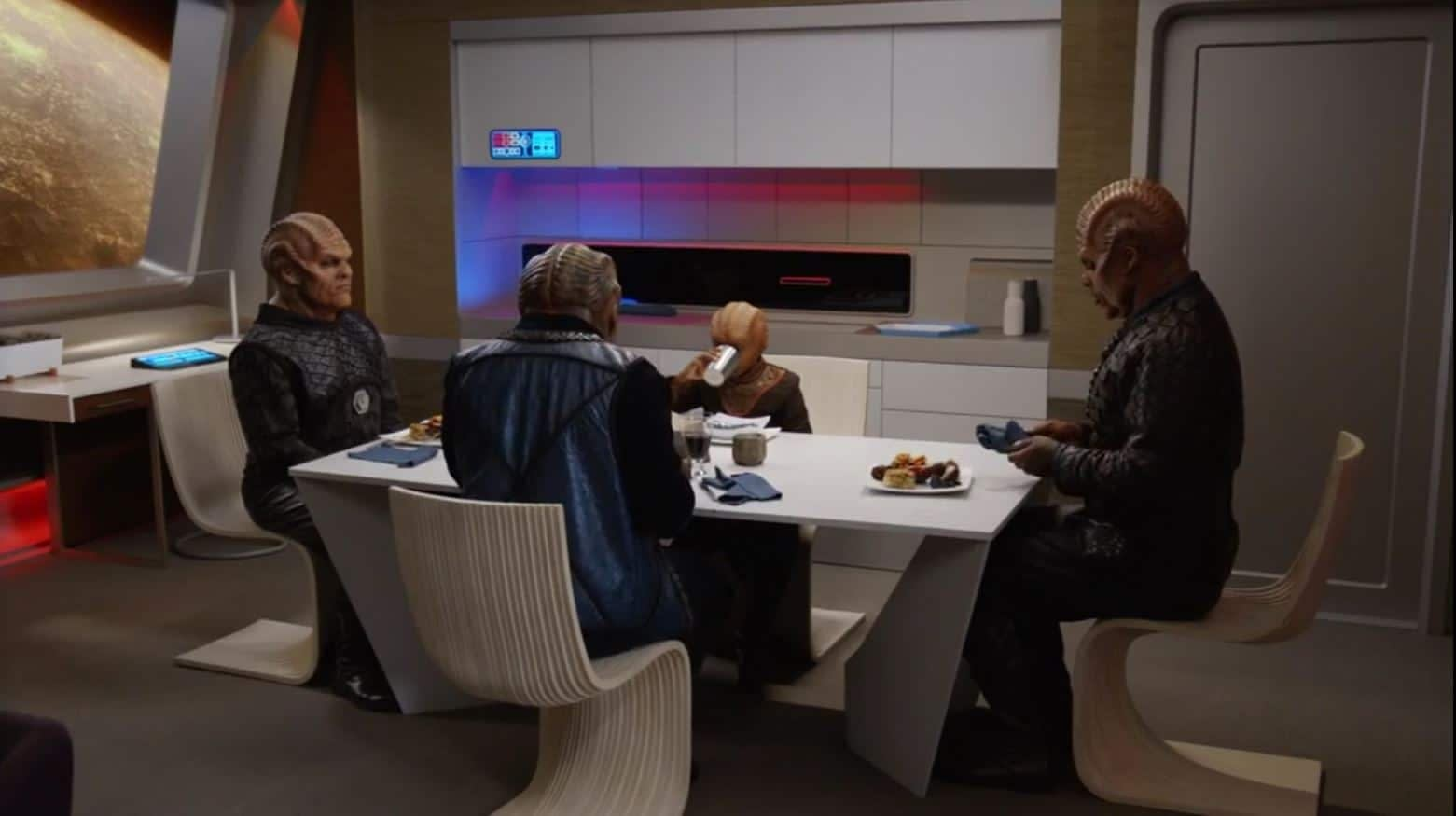 The Orville - Chad L. Coleman, Peter Macon, Kevin Daniels s02e07 - 1