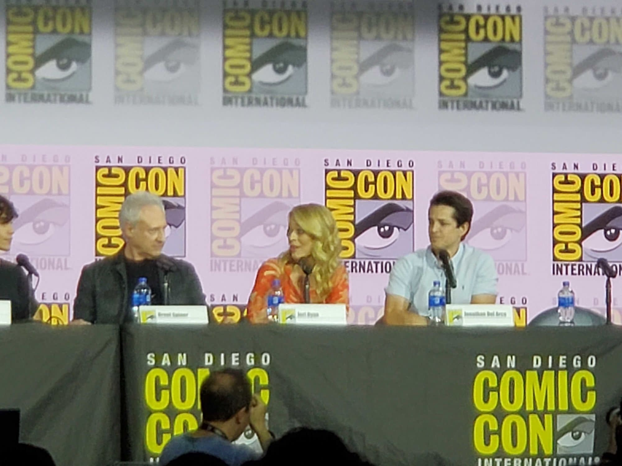 """Star Trek: Picard"" - Jeri Ryan and Brent Spiner Reprise Roles In New Trailer"
