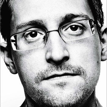 """""""Permanent Record"""": US Government Sues Edward Snowden Over his Memoir"""