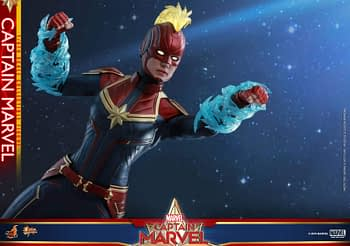 Hot Toys Captain Marvel 10