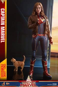 Hot Toys Captain Marvel 16
